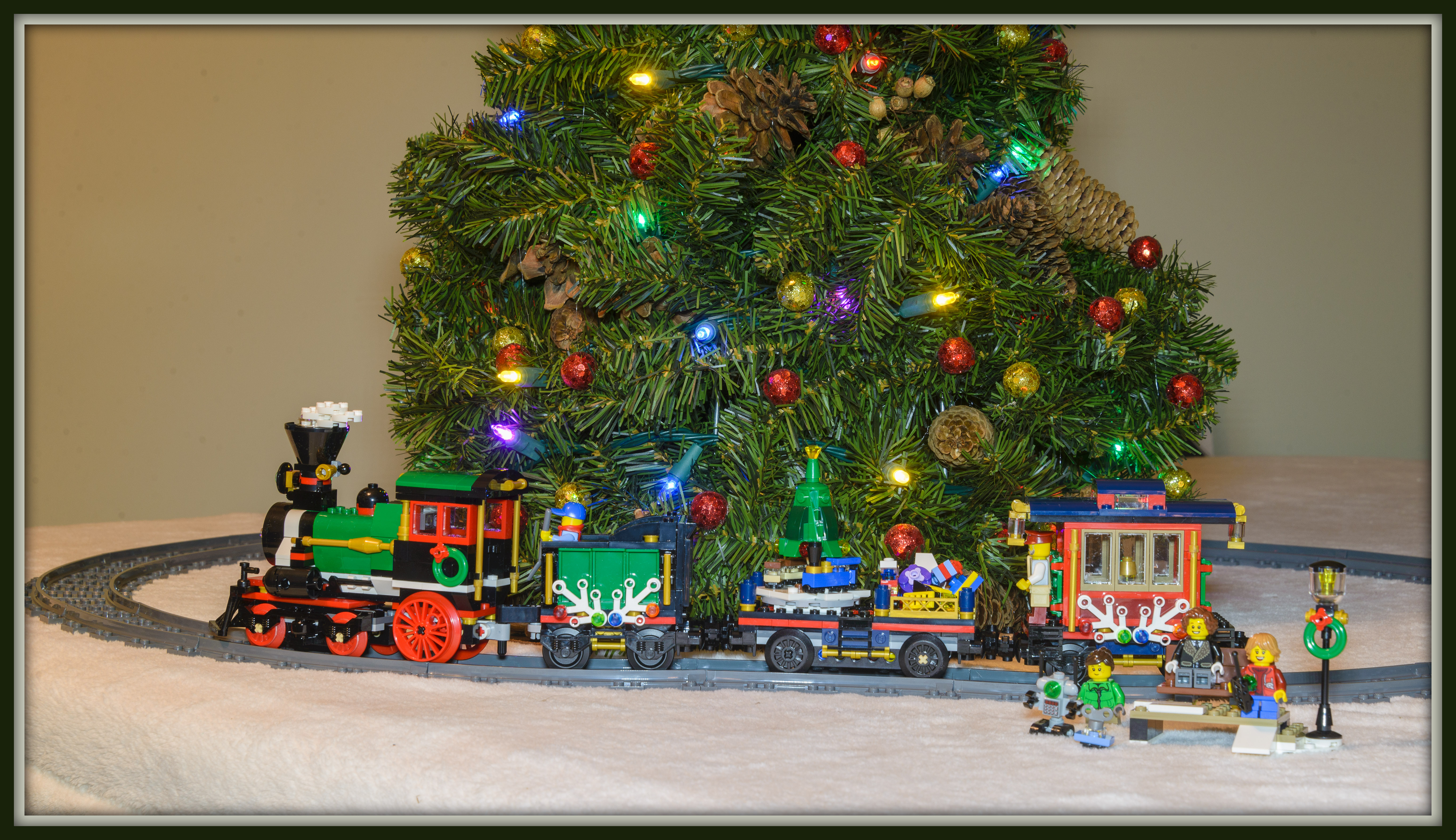 Christmas Trains – Ian Richardson